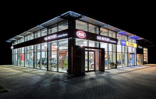 Standort Geilenkirchen Nachtaufnahme - Autohaus Meures